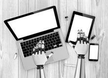 mãos do robô dos dispositivos Imagens de Stock Royalty Free