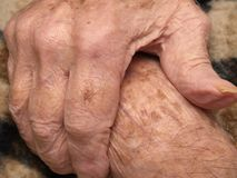 Mãos do sénior Fotografia de Stock