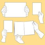 Mãos do ser humano com papel Ilustração Stock