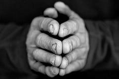 Mãos dobradas mim Imagens de Stock