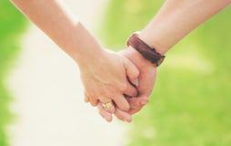 Mãos dos amantes Amor fotos de stock