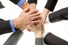 Mãos dos empresários dentro junto Foto de Stock
