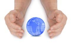Mãos e globo fotos de stock royalty free