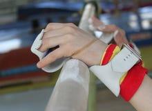 Mãos em barras Imagem de Stock