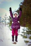 Mãos felizes no ar, liberdade do miúdo da menina, divertimento Imagens de Stock Royalty Free