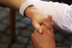 Mãos masculinas e fêmeas Imagem de Stock