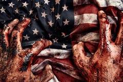 Mãos masculinas na bandeira americana Foto de Stock Royalty Free