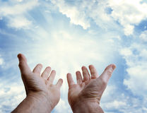 Mãos no céu Fotos de Stock