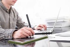 Mãos no teclado Fotos de Stock Royalty Free