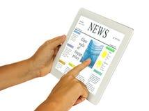 Mãos que guardaram e que apontam no PC moderno da tabuleta Imagem de Stock Royalty Free