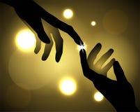 Mãos que tocam em seus dedos Imagens de Stock Royalty Free