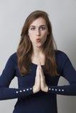 Mãos reconfortantes para respirar no escritório Foto de Stock Royalty Free