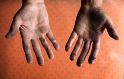 Mãos sujas do mecânico Foto de Stock Royalty Free