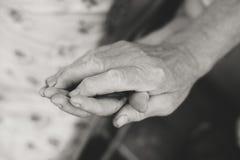 Mãos superiores dos pares, fim acima da imagem Fotos de Stock
