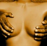 Mãos velhas em um manequim Foto de Stock Royalty Free