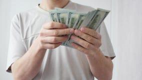 Mężczyzna liczy USA dolary Biznes, duży pieniądze sukcesu pojęcie zbiory wideo