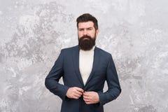Mężczyzny biznesmena przystojnej brodatej odzieży formalny kostium Menswear i mody pojęcie Mężczyzna styl i status Facet brutalny fotografia royalty free