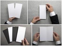 Mężczyzny mienia broszura zdjęcia stock