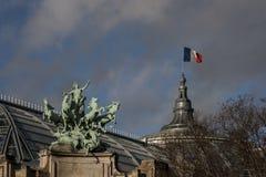 Mächtiges Paris Stockbild