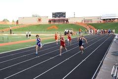 Mädchen 100 Meter-Rennen Lizenzfreies Stockfoto
