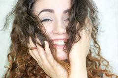 Mädchen attraktiv auf weißem Hintergrund Lizenzfreies Stockfoto