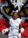 Mädchen auf carnaval Parade des Sommers lizenzfreie stockbilder