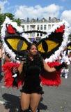 Mädchen auf carnaval Parade des Sommers lizenzfreie stockfotografie
