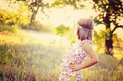 Mädchen auf dem Gebiet Lizenzfreie Stockfotografie