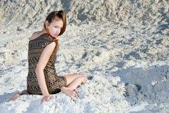 Mädchen auf dem Strand Lizenzfreies Stockfoto