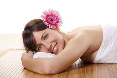 Mädchen auf einem Badekurort Stockbilder