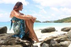 Mädchen auf einem Strand in den Karibischen Meeren Stockbilder
