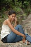 Mädchen auf Mobile Lizenzfreies Stockfoto