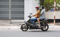 Mädchen auf Motorrad Lizenzfreies Stockfoto