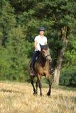 Mädchen auf Pferd Lizenzfreies Stockfoto