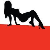 Mädchen auf rote Farbvektorschattenbild Stockbild