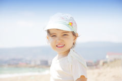 Mädchen auf Strand lizenzfreie stockfotos