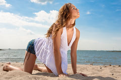 Mädchen auf Strand Stockfoto