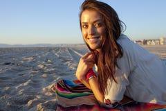 Mädchen auf Strand Lizenzfreies Stockbild