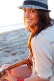 Mädchen auf Strand Stockfotos