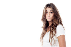 Mädchen ausdrucksvoll mit den geschürzten Lippen Lizenzfreie Stockfotografie