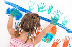 Mädchen beim Malen Stockfotografie