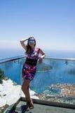 Mädchen in Bergen und in Meer Dubornik Kroatien Lizenzfreies Stockfoto