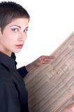 Mädchen, das eine Zeitung liest Stockfotos