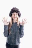 Mädchen, das einen starken Hut trägt Stockbild