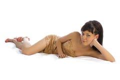 Mädchen, das im Bett liegt Lizenzfreies Stockfoto