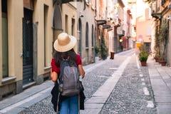 Mädchen, das Italien besichtigt Lizenzfreie Stockfotos