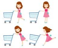 Mädchen, das leere Warenkörbe mit den verschiedenen Aktionen eingestellt drückt Lizenzfreies Stockfoto