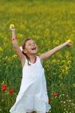 Mädchen, das mit Freude schreit Lizenzfreies Stockbild