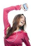 Mädchen, das, Musik genießend hört Lizenzfreies Stockbild