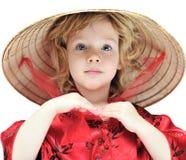 Mädchen, das orientalisches Kostüm trägt Lizenzfreies Stockfoto